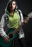 guitare de fille d'emo photos libres de droits