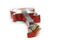Guitare de roche d'isolement Images stock