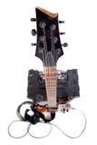 Guitare et amplificateur avec le câble Images stock