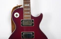 Guitare et chaînes de caractères Photographie stock libre de droits