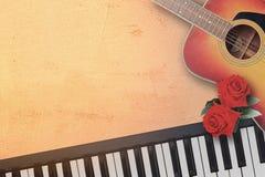 Guitare et clavier de piano folkloriques acoustiques espagnols avec beau t Photos libres de droits