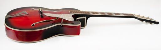 Guitare rouge d'archtop de vintage Photo libre de droits