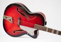 Guitare rouge d'archtop de vintage Photos libres de droits