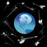 Guitares autour de globe Photos libres de droits