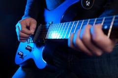 Guitariste de roche photos stock