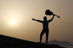 Guitariste joyeux Photographie stock