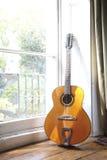 Guitarra acústica 1 Fotos de archivo libres de regalías