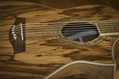 Guitarra acústica 2 Imagens de Stock Royalty Free