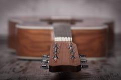 Guitarra acústica clásica con el fingerboard Imagen de archivo
