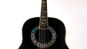 Guitarra acústica preta Fotos de Stock