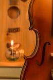 Guitarra acústica, violino, livro Imagens de Stock Royalty Free