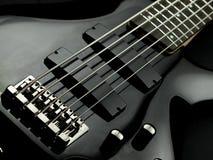 Guitarra baixa de corda cinco imagens de stock royalty free