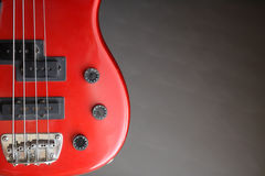 Guitarra baixa vermelha Fotografia de Stock
