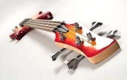 Guitarra baja roja fotografía de archivo libre de regalías