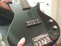 guitarra baja sin las secuencias fotografía de archivo