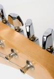 Guitarra de ajustamento Imagens de Stock