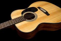 Guitarra de madera acústica Fotografía de archivo