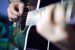 Guitarra del jugador Imágenes de archivo libres de regalías
