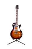 Guitarra eléctrica aislada en el fondo blanco Imágenes de archivo libres de regalías