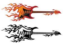 Guitarra eléctrica en el fuego en el ejemplo a todo color y negro del vector de las llamas ilustración del vector