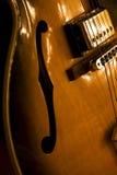 Guitarra hueco del jazz de la carrocería Imagenes de archivo