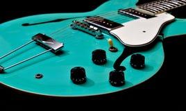 Guitarra oca do corpo Imagens de Stock