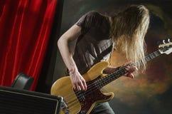 Guitarra player_2 da rocha Fotografia de Stock Royalty Free
