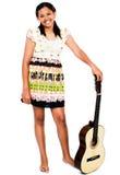 Guitarra sonriente de la explotación agrícola del adolescente Foto de archivo libre de regalías