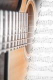Guitarra y escalas foto de archivo libre de regalías