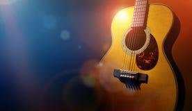 Guitarra y fondo de etapa en blanco del grunge fotografía de archivo libre de regalías