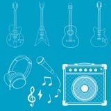 Guitarras, amplificadores, micrófonos y auriculares Imágenes de archivo libres de regalías