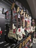 Guitarras eléctricas de Stratocaster de la defensa Imagen de archivo