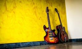 guitarren lizenzfreie stockfotografie