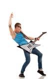 Guitarrista considerável foto de stock royalty free