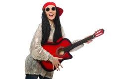Guitarrista de la mujer aislado en blanco Foto de archivo libre de regalías