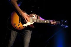 Guitarrista de la roca imágenes de archivo libres de regalías