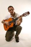 Guitarrista en estudio Foto de archivo libre de regalías
