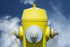 Gul brandpost Arkivfoton
