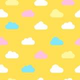 Gul himmel med moln seamless vektor för bakgrund Royaltyfri Bild
