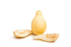 gul isolerad guavafrukt Royaltyfri Fotografi