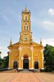 Gul kyrka i Ayutthaya, Thailand Arkivfoton