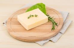 Gul ost arkivbild