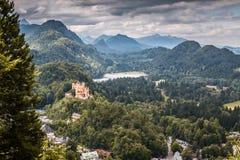 Gul slottHohenschwangau slott i Bayern Arkivbild