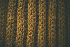 Gul tappning stack tygtextur och bakgrund för formgivare Tappning stucken bakgrund Övre sikt för slut av abstrakt textur Royaltyfria Foton