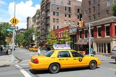 Gul taxi i New York Royaltyfri Bild