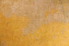 Gul vägg på gammal byggnad Royaltyfria Bilder