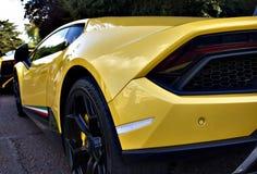 Gula Lamborghini Huracan Fotografering för Bildbyråer
