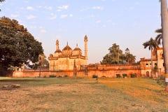 Gulab Bari i Faizabad var gravvalvet av Nawab Shuja-ud-daula den tredje Nawaben av Awadh, lokaliseras royaltyfri bild