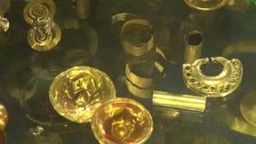 Guld ädelmetaller, smycken stock video
