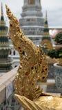 Guld- ängelstaty Thailand för härlig svans Arkivfoto